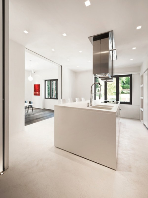 Modern apartment furniture located in rome for Apartment design rome
