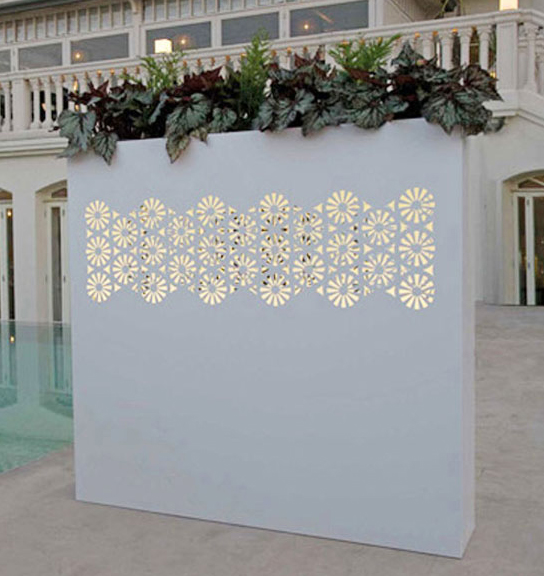 Outdoor wall flower pots by bysteel for Outdoor wall flowers