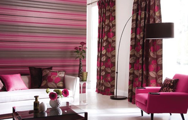 pink-living-room-interior-design-with-floor-lamps-decorating