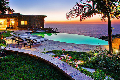 romantic outdoor furniture design in sunset beach Romantic Outdoor Furniture Ideas | Inspiring Sunset for Couples