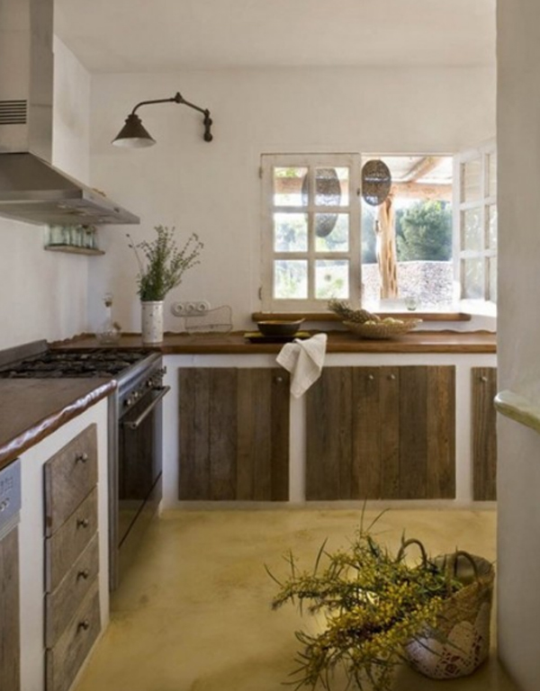 Traditional House With Kitchen Design