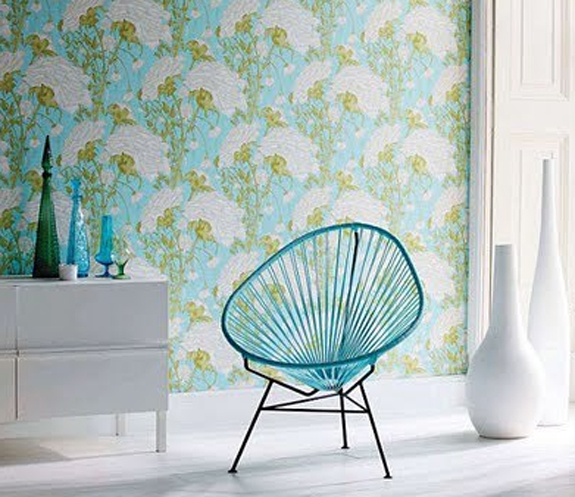 Brilliant White and Turquoise Chair 575 x 497 · 238 kB · jpeg