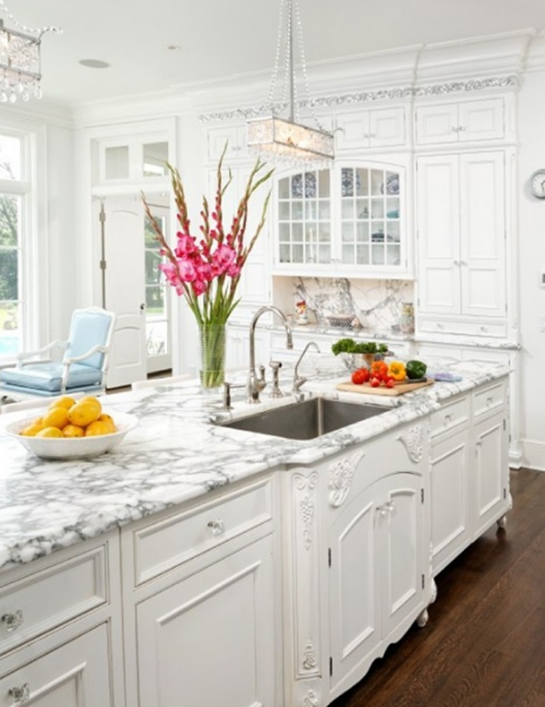 Beautiful white kitchen design ideas for Beautiful kitchen units designs