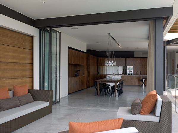 Comfortable Minimalist House Interior Design
