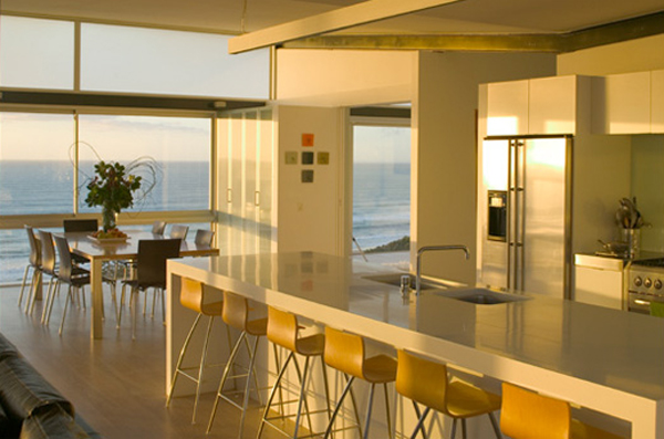 Minimalist beach house with kitchen interior design for Beach house designs interior
