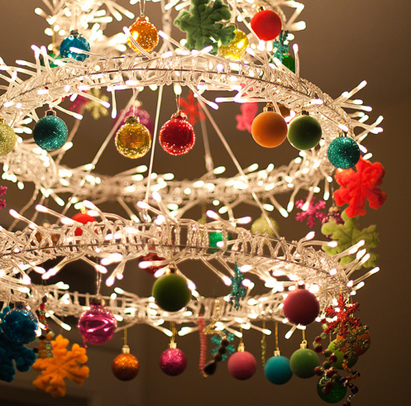 Modern chandelier with christmas ideas for Modern christmas decorations online