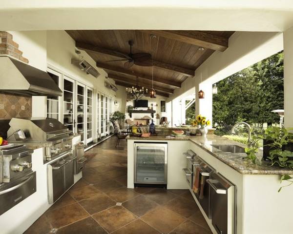 Contemporary Outdoor Kitchen Design