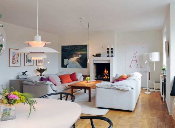 small-and-minimalist-living-room-interior-design-with-fireplaces