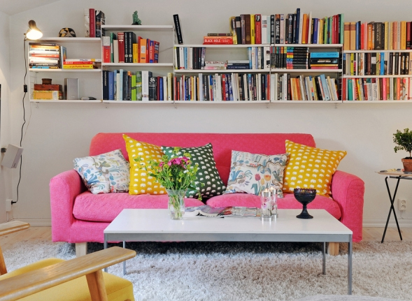 small-living-room-with-sofas-furniture-in-sweden