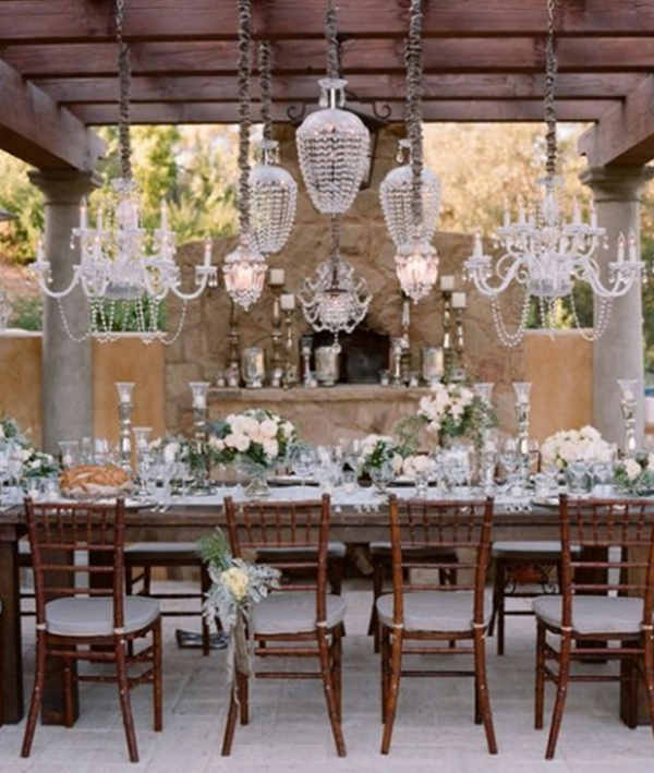 Romantic Wedding Themes Ideas: Chandeliers-lighting-for-wedding-decoration