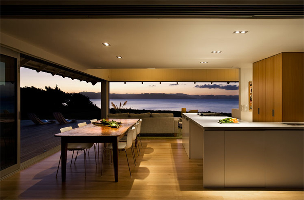 Australian beach house with kitchen design for Beach house kitchen plans