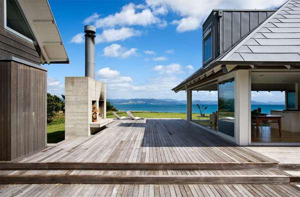 Beach house with wooden floor ideas for Coastal home designs nz