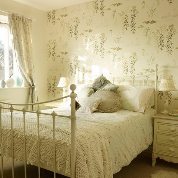 Beautiful Bedroom Design With Floral Wallpaper