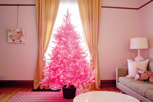 Beautiful pink christmas tree for living room for Living room xmas ideas