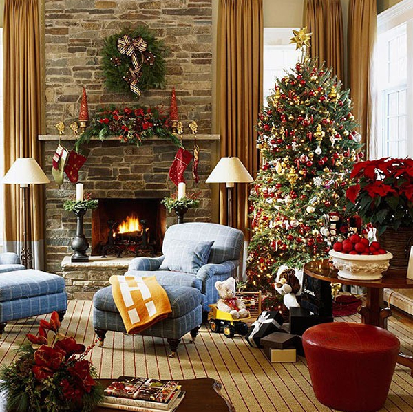 Dining Room Fireplace Ideas For Romantic Winter Nights: 15 Beautiful Christmas Decoration With Fireplace Ornaments
