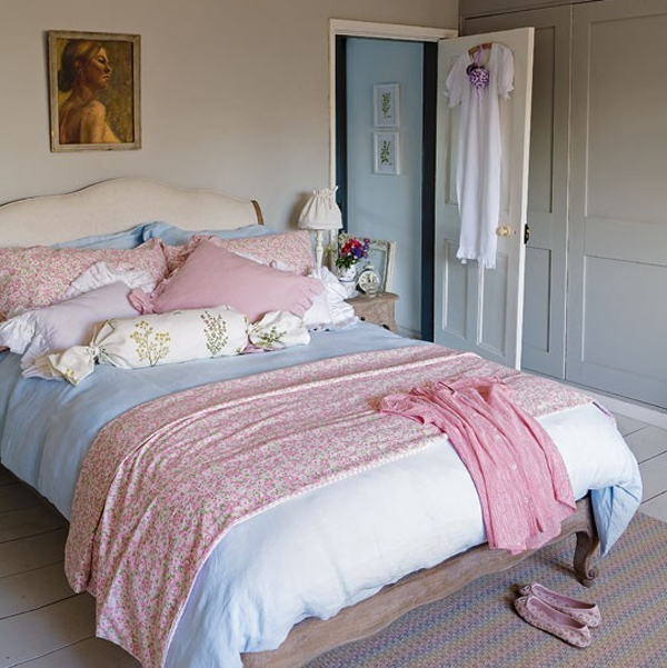 Chic And Charming Bedroom With Pastel Colour