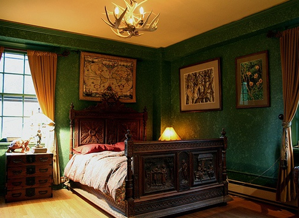 classic-gothic-bedroom-ideas