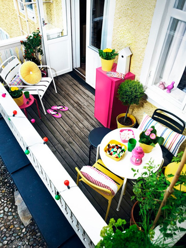 small-and-colorful-outdoor-furniture-design