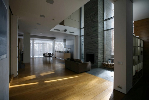Contemporary House Near Moscow By Atrium Architects: Contemporary House With Wooden Architecture In Russian