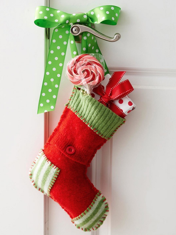 & cool-christmas-door-decorating-ideas