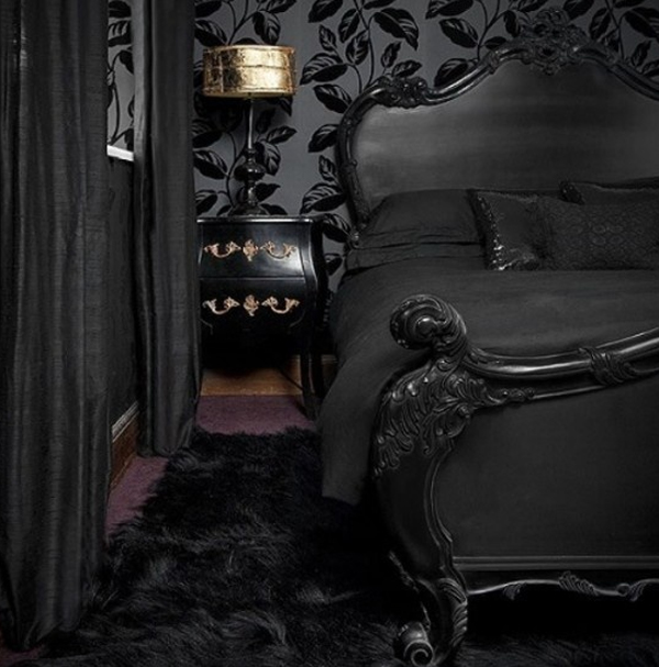 coolest-and-stylish-gothic-master-bedroom-ideas
