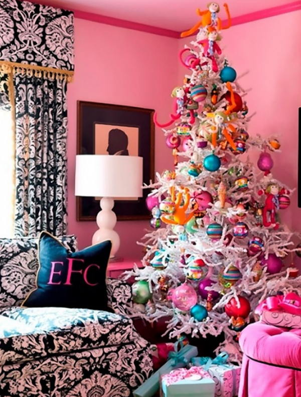 Cute and beautiful pink christmas tree with dining room ideas for Cute house decor