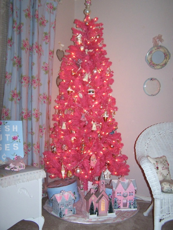 cute-and-beautiful-pink-christmas-tree-decor