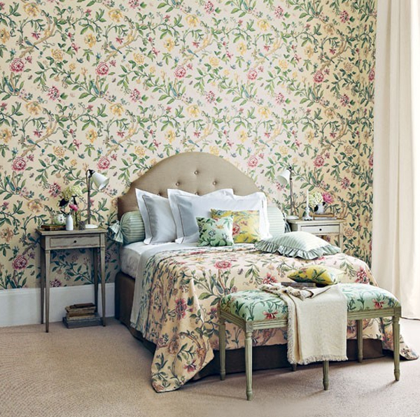 floral small bedroom with wallpaper theme