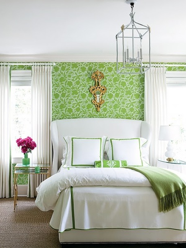 Red bedroom design with floral wallpaper for Green bedroom wallpaper