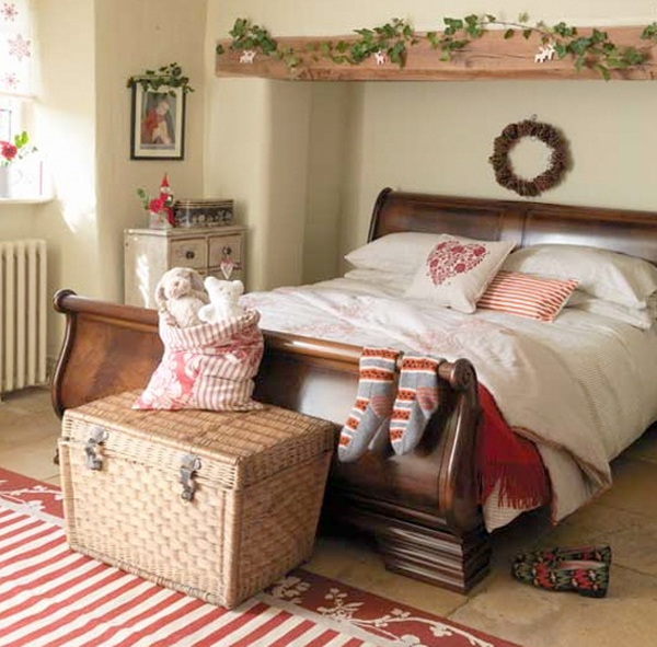christmas bedroom decorating ideas 26 Inspiring Christmas Bedroom ...