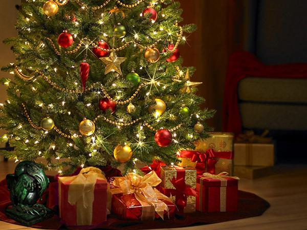 15 inspiring light christmas tree for room decorations home design rh homemydesign com