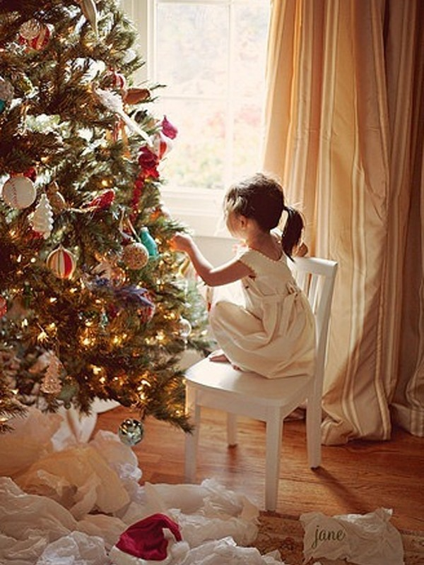 On design a christmas tree with lights and ornaments inspiring ideas