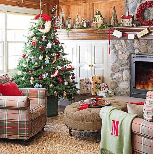Living Room Creative Decor Simple Tips To Make More Beauty: 15 Beautiful Christmas Decoration With Fireplace Ornaments