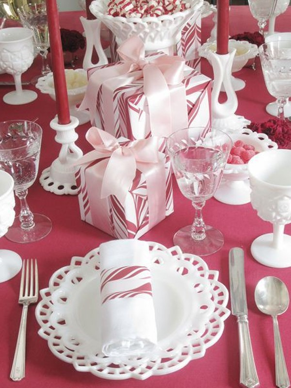 Christmas Dining Room With Table Setting Ideas