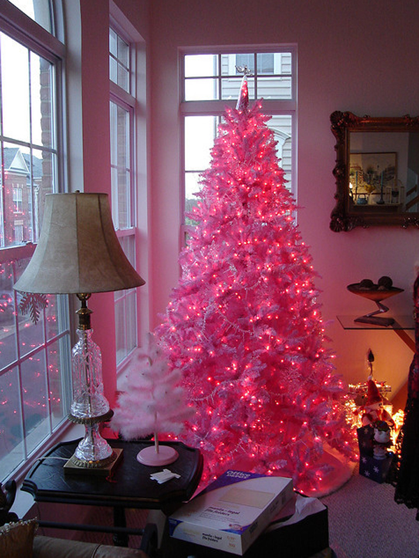 15 Awesome and Beautiful Christmas Tree Decorations | Home Design ...