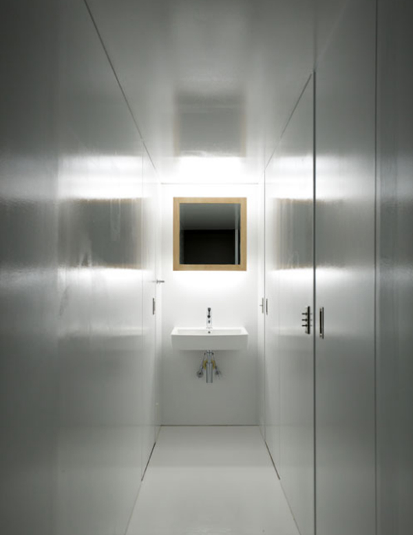 small and minimalist bathroom design Small and Minimalist Home Design   35.47 Square Meter