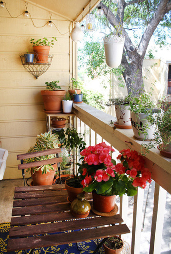 Small Balcony Garden Design by Jenny and Collin Home