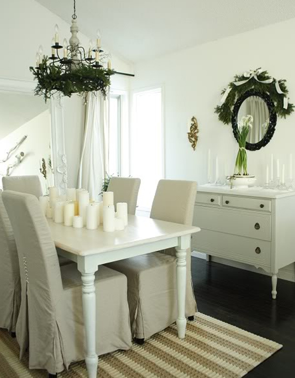 White Christmas Dining Room With Creative Decorations