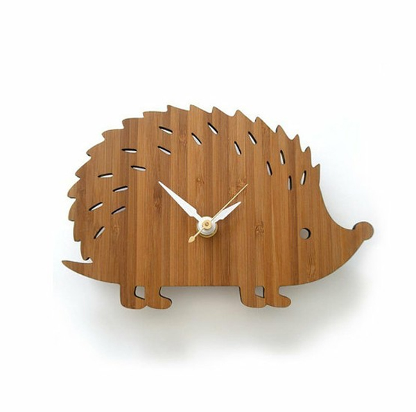 wooden clock design with hedgehog themed Wooden Clock Ideas with Animal Themed