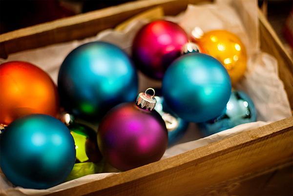 Colorful Christmas Balls.15 Amazing And Colorful Ball Christmas Ornaments Home