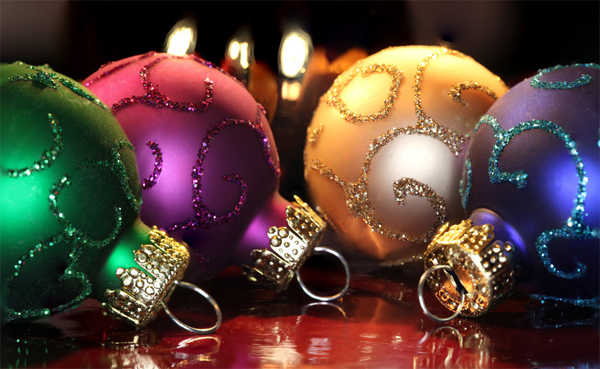 Amazing and colorful christmas ornament balls for Amazing christmas decorations