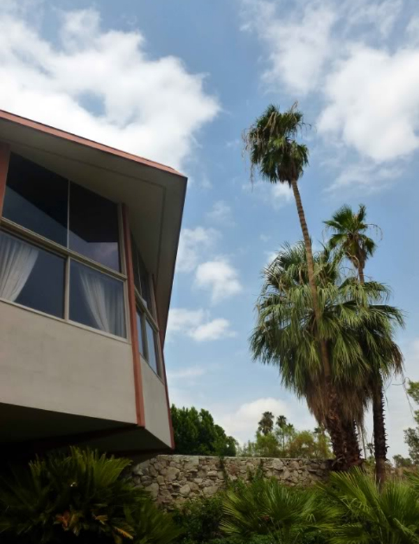 amazing-elvis-honeymoon-house-design-in-palm-springs