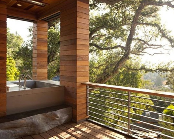 Awesome outdoor bathrooms with small bathtub for Indoor outdoor bathroom design ideas