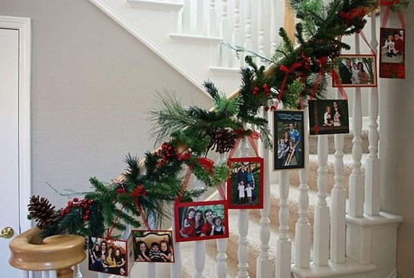 beautiful christmas decor for stair ideas - Staircase Christmas Decorating Ideas