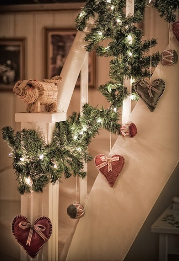 beautiful-christmas-stair-decorations