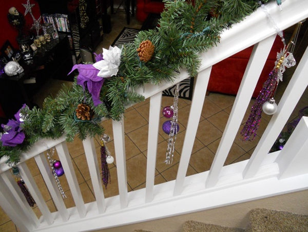 beautiful-christmas-stair-garlands