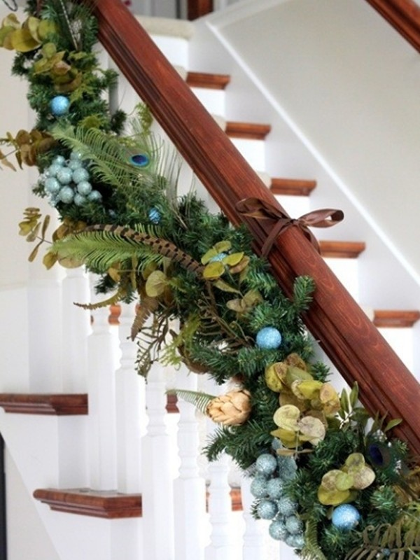 Beautiful Christmas Stair Garland Ideas Interiors Inside Ideas Interiors design about Everything [magnanprojects.com]