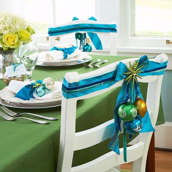 Christmas Table Decor Blue : Blue christmas table setting with flower ornaments