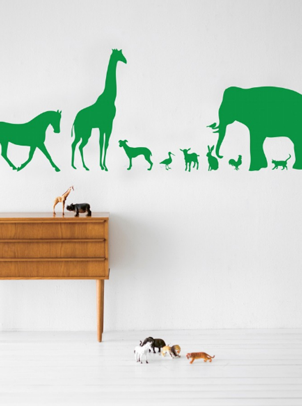 cool-and-creative-kids-room-wallpaper-with-animal-theme