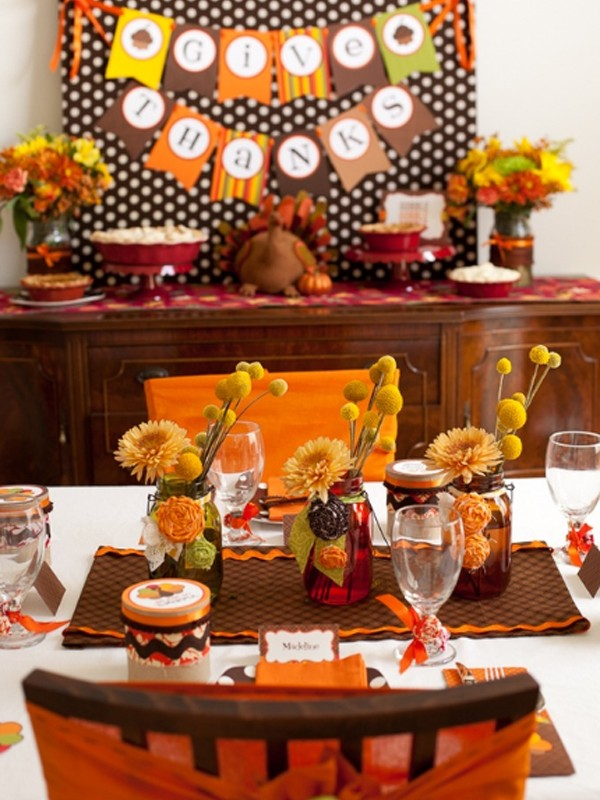 Gorgeous and awesome thanksgiving table centerpieces for Thanksgiving decorations ideas for office